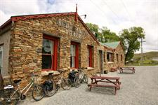 Wedderburn Tavern - Otago Central Rail Trail