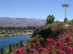 Cromwell reservoir high above Lake Dunstan