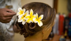 Flower arrangement in the Hair