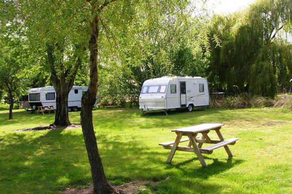 Campervan sites at Omarama TOP 10 Holiday Park