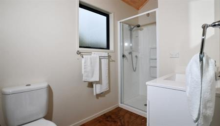 Self-contained cabin bathroom 1
