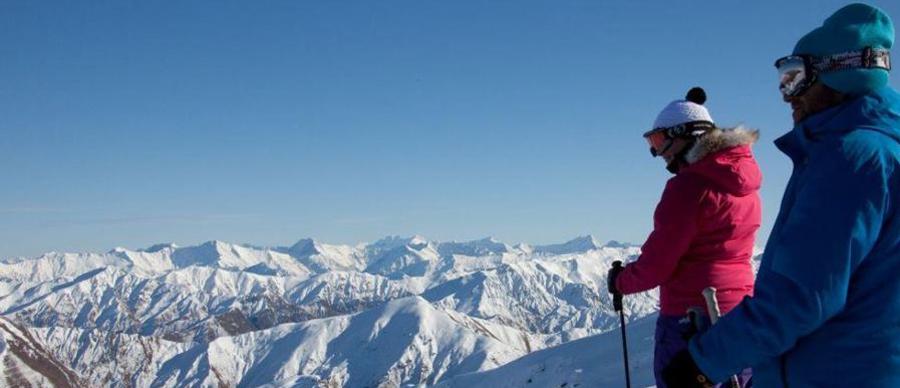 Aroha Luxury Tours - Luxury skiing holiday - on top of the world