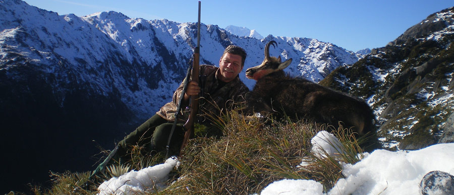 Aroha Luxury Tours - New Zealand Big Game Hunting - Deer hunting