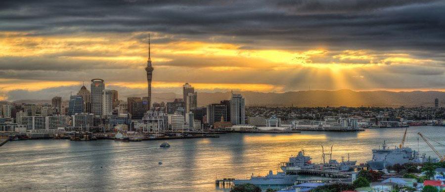Aroha Luxury Tours - About New Zealand - Auckland City