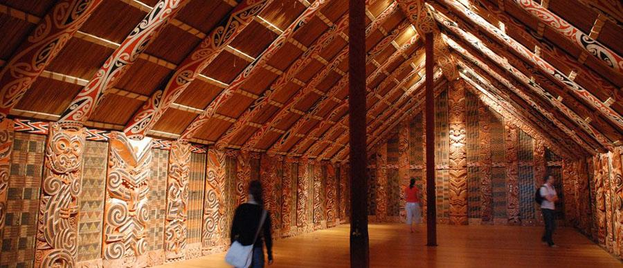 Aroha Luxury Tours - About New Zealand Art and Crafts - Wharenui