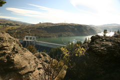 Commissioners Track overlooking the Roxburgh Dam