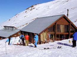 Hanmer Springs Adventure Centre run a Shuttle Service to the skifield during the ski season