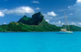 Enjoy French Polynesia's azure blue lagoons. Image: Tahiti Tourism