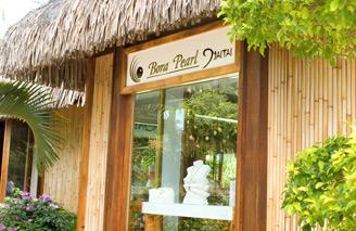 Bora Bora is a great place to buy a unique souvenir