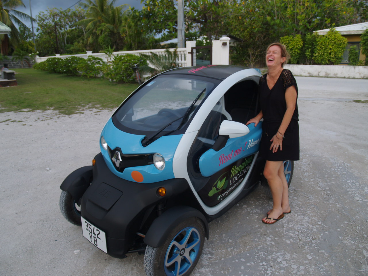 Rantal Car in Rangiroa photo with Alison Adam