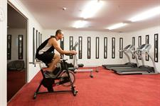 Hotel gymnasium offers an efficient fitness workout