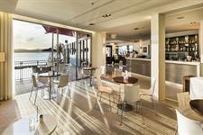Halo lounge, cafe and bar