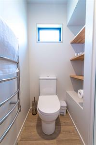 2 Bedroom Self-Contained Cabin - Toilet